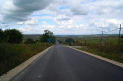 Au fost finalizate lucrările de asfaltare pe drumul judeţean Mănăstireni – Călata – Mărgău – Răchiţele