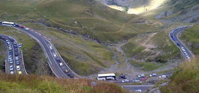 S-a deschis circulația pe Transfăgărășan