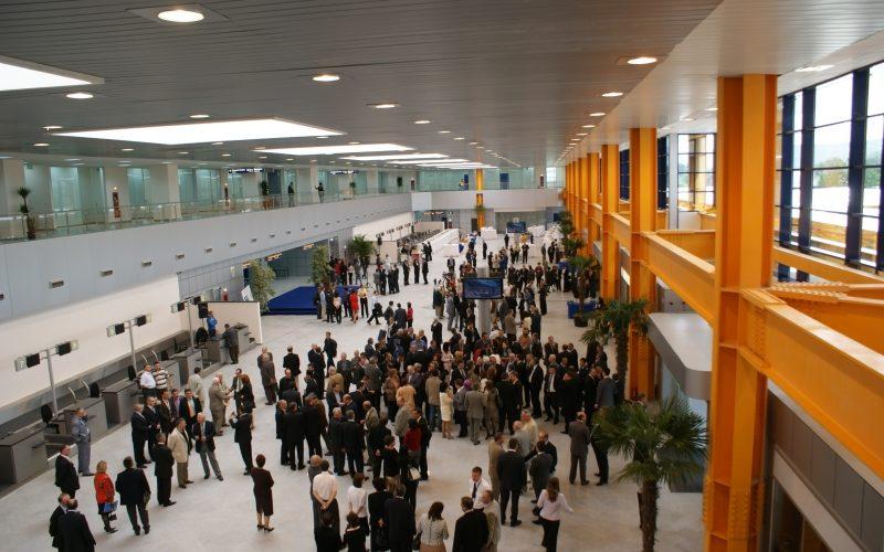 """Pasager, în Aeroportul Cluj: """"bombă în bagajul de cabină"""""""