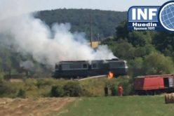 Pericol de dezastru în Aghireșu. O locomotivă care tracta vagoane cu motorină a luat foc