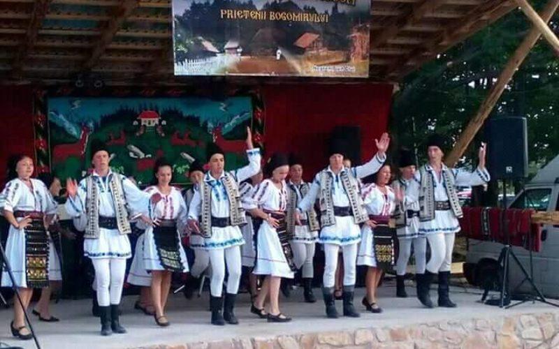 """""""Prietenii Bogomirului"""" , serbare câmpenească la Negreni. Primăria Negreni NU sprijină cu nimic acest eveniment organizat de tineri pentru păstrarea tradițiilor"""