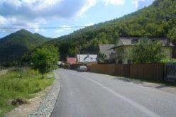 FOTO – Lucrări de asfaltare finalizate pe drumul judeţean Gura Râşca – Măguri Răcătau