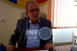 VIDEO – Mircea Moroșan, primarul din Huedin, a făcut calculul pagubelor. Când va fi reparat acoperișul Spitalului Huedin
