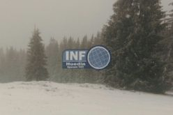 VIDEO – Zăpadă la Mărișel și Vârful Vlădeasa. A nins viscolit și s-a așternut strat de nea