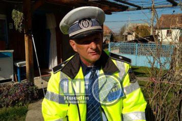 VIDEO – Polițistul local din Călățele a comis-o. S-a îmbrăcat cu ce nu trebuia