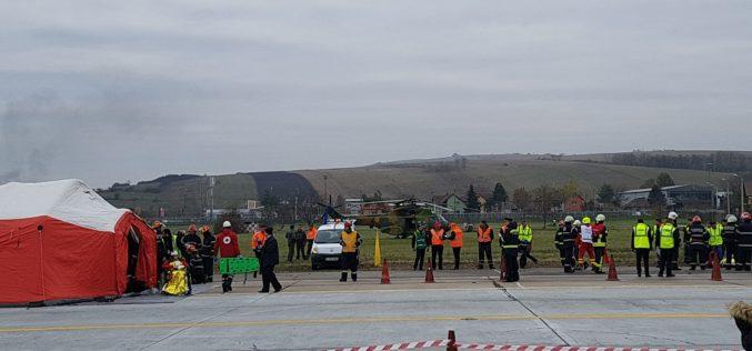 FOTO – Simulare de accident aviatic pe Aeroportul Internațional Avram Iancu Cluj