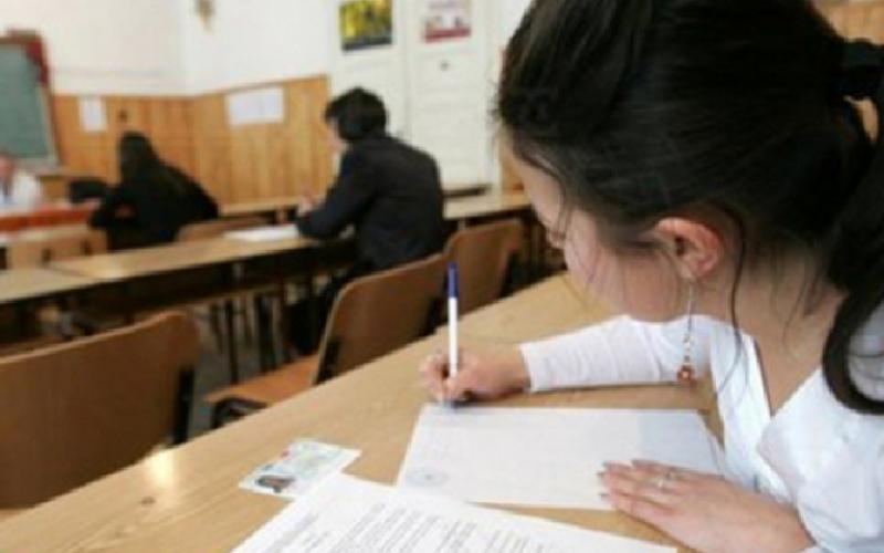 Peste 144.000 de absolvenți de clasa a VIII-a susțin Evaluarea Națională 2017. Examenele au început