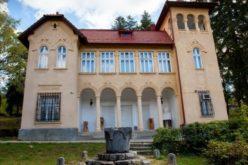 """Vernisajul expoziţiei de vară a Şcolii de Arte Cluj la Muzeul """"Octavian Goga"""" Ciucea"""