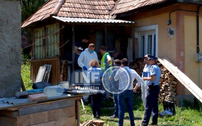 VIDEO – Un bărbat din Gârbău și-a măcelărit propriul corp. A fost găsit mort după două zile