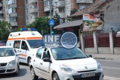 Nu toate ambulanțele au voie să folosească sirenă și girofar