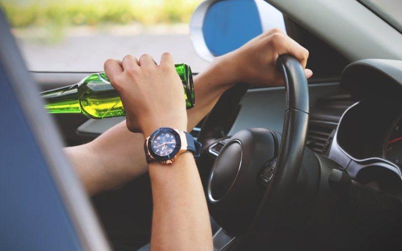 Tânăr din Săcuieu, fără permis, prins beat la volan de două ori în interval de 4 zile