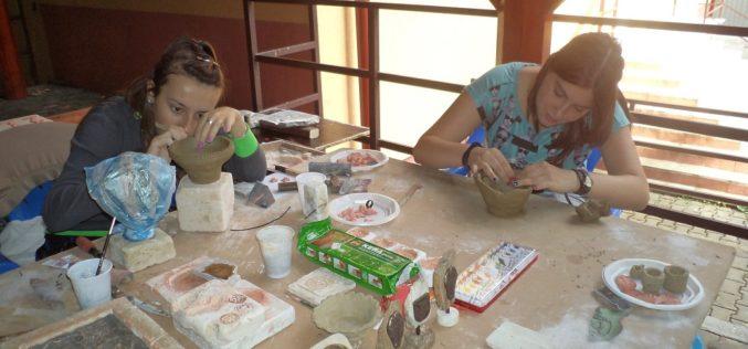 """Copiii de la Clubul Copiilor Huedin participă la tabăra de meșteșuguri ,,Tradiții clujene"""""""