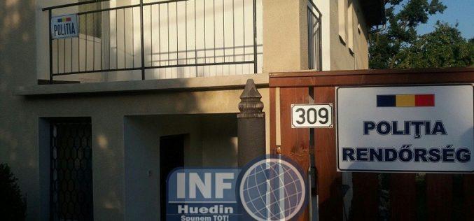 FOTO – INCREDIBIL! La Sâncraiu cineva a montat o plăcuță în limba maghiară pe gardul Postului de Poliție. E interzis de lege!