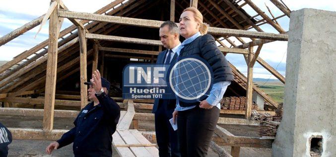 VIDEO – Carmen Dan, ministru în Ministerul de Interne, pe acoperișul Spitalului Huedin. Ce a promis