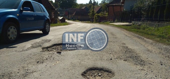 FOTO – Cum minte CJ Cluj că a reparat drumul care duce la Mănăstireni. Adevărul din teren este altul
