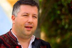 VIDEO – Florin Dan Bota, singurul artist de muzică populară care cântă despre Țara Călatei. Miercuri a făcut spectacol la Cluj-Napoca