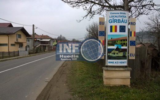 Se preiau documente la Gîrbău, în stația mobilă, pentru întocmirea actelor de identitate