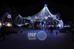 Iluminatul festiv din Huedin se pornește duminică. Cei mici sunt așteptați de Moș Crăciun în centrul orașului