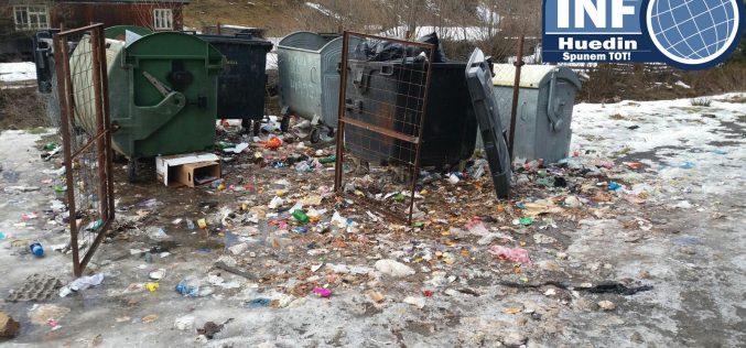 FOTO – Firma ITAL MODA, bătaie de joc în Poiana Horea de Anul Nou