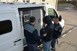 Irakieni depistați cu ședere ilegală în Huedin. Au fost expulzați, unul sub escortă