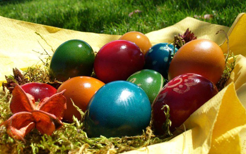 Cum să vopseşti ouă de Paşte BIO. Citeşte reţeta simplă!