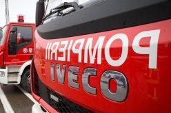 Pompierii din Huedin au făcut accident în timp ce se îndreptau spre un accident. Un militar a rămas încarcerat