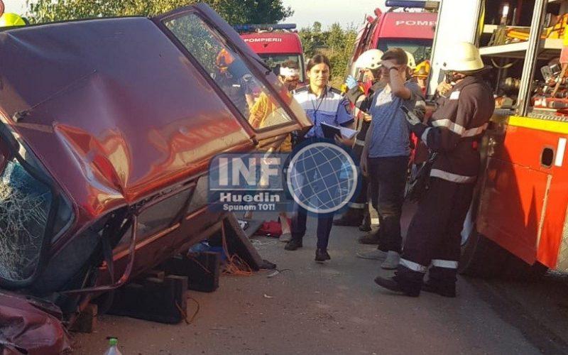 FOTO – Accident grav la ieșire din Căpușu Mare spre Dângău, 5 răniți