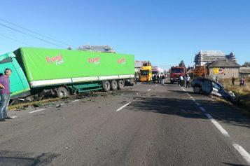 UPDATE – Accident grav la ieșire din Huedin spre Oradea