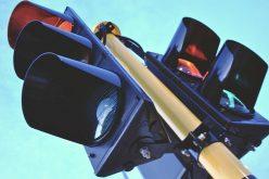 Sistemul de semaforizare din Huedin pornește luni. Alte reglementări de circulație